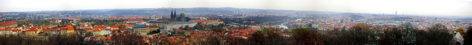 panoramapetrin prague Royaltyfria Foton