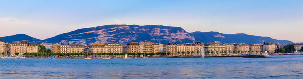 panoramariviera för 2 geneva solnedgång Fotografering för Bildbyråer