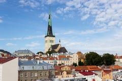 24-27 08 2016 panoramas aéreos bonitos da skyline do verão cênico da cidade velha em Tallinn, Estônia Imagens de Stock