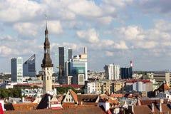 24-27 08 2016 panoramas aéreos bonitos da skyline do verão cênico da cidade velha em Tallinn, Estônia Imagem de Stock Royalty Free