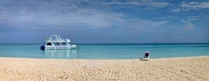 Panoramas del mar y de las islas Foto de archivo libre de regalías