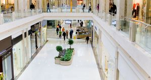 panoramashopping för 3 korridor Fotografering för Bildbyråer