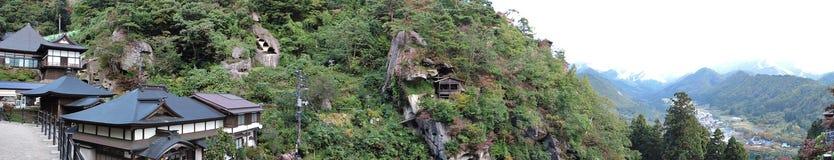 Panoramasikt av att omge den Risshaku-ji eller Yamadera templet i Japan arkivfoton