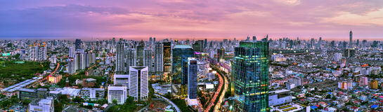 Panoramasikt av den Bangkok staden Fotografering för Bildbyråer