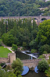 Panoramasikt av den gamla bron två i Luxembourg Arkivbild