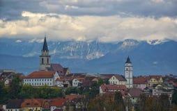 Panoramasikt av Kranj, Slovenien Arkivfoto