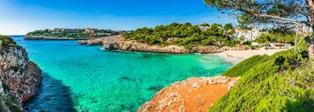 Panoramasikt av kustlinjen på den Majorca ön, Spanien royaltyfri fotografi