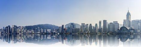 Panoramasikt av Victoria Harbor: Hong Kong arkivbild