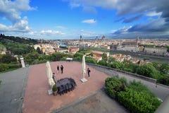 Panoramasikt från ovannämnt av den Florence staden Fotografering för Bildbyråer