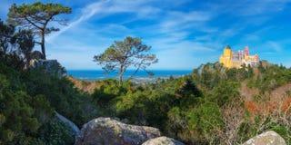 Panoramaslott av Pena portugal royaltyfria bilder