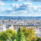Panoramastadt von Paris von Montmartre lizenzfreie stockfotos