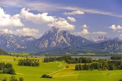 Panoramat landskap i bavaria arkivbilder