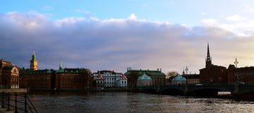 Panoramatic sikt över en kanal Royaltyfri Bild