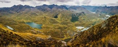 Panoramatic sikt av den Cajas nationalparken, Ecuador Arkivfoto