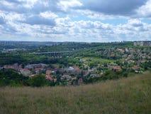 Panoramatic sikt av den Prokopske dalen i prague Royaltyfria Bilder