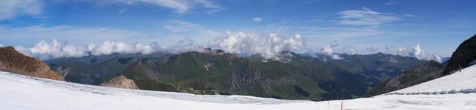 Panoramatic sikt från den Hintertux glaciären Fotografering för Bildbyråer