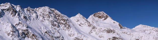 Panoramatic sikt på Stubai Alpen, Österrike Royaltyfri Fotografi