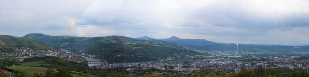Panoramatic wiev till Usti nad Labem från Erbens utkiktorn CZ royaltyfria bilder