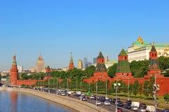 Panoramatorens en gebouwen van Moskou het Kremlin Stock Fotografie