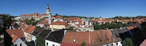 Panoramautsikt över ÄŒeskà ½ Krumlov - Krumau, Tjeckien royaltyfria bilder