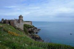 Panoramautsikt över den historiska fortLalatten på locket Frehel Brittany France Europe arkivbilder