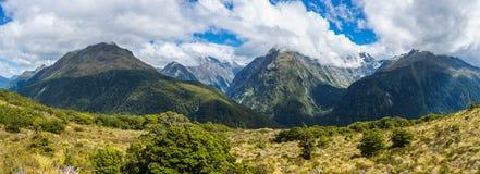 Panoramautsikt av Ailsa Mountains från nyckel- toppmöte royaltyfria bilder