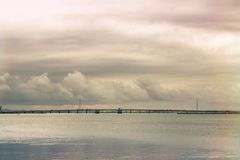 Panoramautsikt av andra sidan av havet Arkivbild