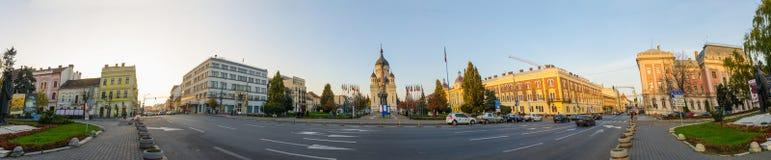 Panoramautsikt av Avram Iancu Square i den Cluj-Napoca Transylvania regionen av Rumänien Royaltyfria Foton