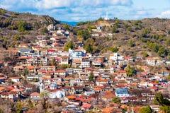 Panoramautsikt av bergbyn av Pedoulas Nicosia område Fotografering för Bildbyråer