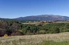Panoramautsikt av byar Plana i berget Plana Royaltyfri Fotografi