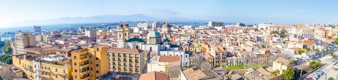 Panoramautsikt av Cagliari, huvudstad av Sardinia, Italien arkivbilder