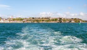 Panoramautsikt av castlinen i Plymouth Royaltyfria Bilder
