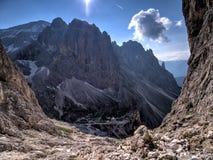 Panoramautsikt av de Rosengarten bergen, Dolomites, Italien Royaltyfria Foton