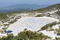 Panoramautsikt av de sju Rila sjöarna i det Rila berget, Bulgarien Arkivbild