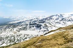 Panoramautsikt av de sju Rila sjöarna i det Rila berget, Bulgarien Arkivfoton