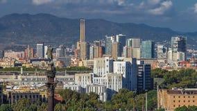 Panoramautsikt av den Barcelona staden från den bergMontjuic timelapsen arkivfilmer