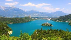 Panoramautsikt av den blödde sjön, Slovenien arkivfilmer