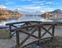 Panoramautsikt av den blödde sjön, Slovenien Royaltyfri Bild