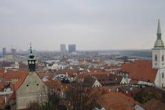 Panoramautsikt av den Bratislava staden, huvudstad av Slovakien, fotografering för bildbyråer