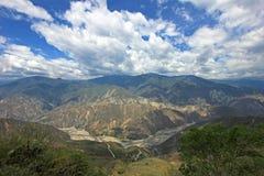 Panoramautsikt av den Chicamocha kanjonen nära Bucaramanga i Santander, Colombia Royaltyfri Fotografi