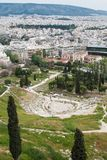 Panoramautsikt av den forntida teatern av dionysusen i Aten, Grekland arkivbilder