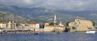 Panoramautsikt av den gamla staden, Budva Royaltyfria Bilder