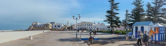 Panoramautsikt av den gamla staden längs Atlantic Ocean essaouira morocco arkivfoto