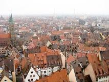 Panoramautsikt av den gamla staden av Nuremberg i vintertid Royaltyfria Bilder