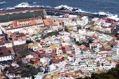 Panoramautsikt av den Garachico staden i Tenerife Arkivfoto