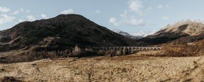 Panoramautsikt av den Glenfinnan viadukten, Glenfinnan, Skottland arkivbilder