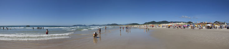 Panoramautsikt av den Joaquina stranden i Florianopolis - Brasilien Royaltyfri Foto