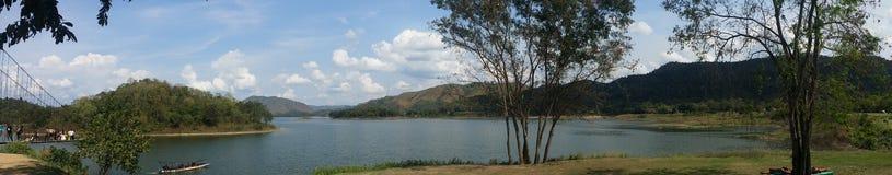 Panoramautsikt av den Kaeng Krachan nationalparken Fotografering för Bildbyråer