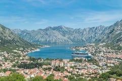 Panoramautsikt av den Kotor fjärden, Montenegro Arkivfoton