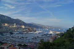 Panoramautsikt av den Monte - carlo hamnen i Monaco Arkivbild